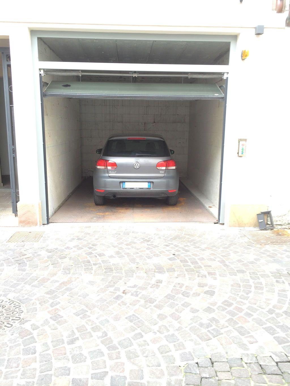 montauto semplice pantografo ascensore per auto